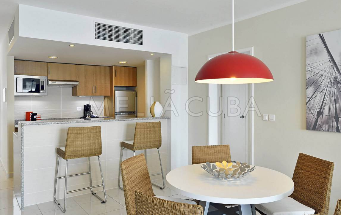 eden apartment the bedroom luxury close to bedrooms unit beach apartments accommodation
