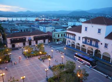 Atractivos en Santiago de Cuba: Céspedes Park and surrounding areas