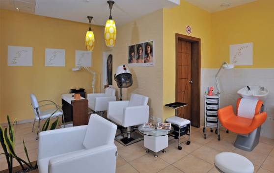 Health and Beauty: Beauty parlor
