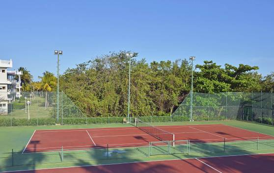 Entertainment: Cancha de Tennis