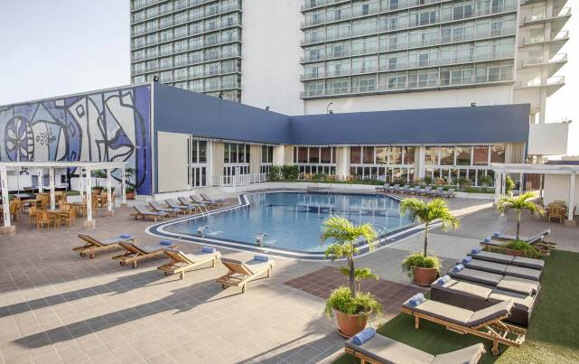 Tryp Habana Libre - Piscina - Pools