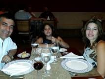 Cenando en el latino restaurante