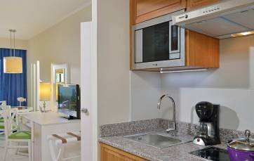 Condominium accommodation services
