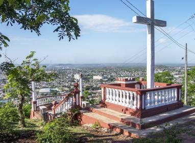 Atractivos en Holguín: Loma de la Cruz