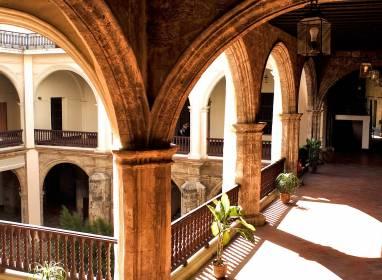 Atractivos en La Habana: Palacio de los Capitanes Generales