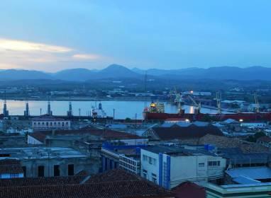 Atractivos en Santiago de Cuba: Hafen von Santiago de Cuba