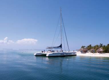 Cayo Blanco – Catamarán