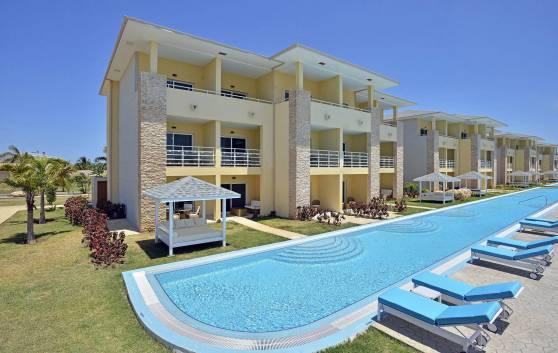 Pool Swim Up pools (Exclusive to Family Concierge)