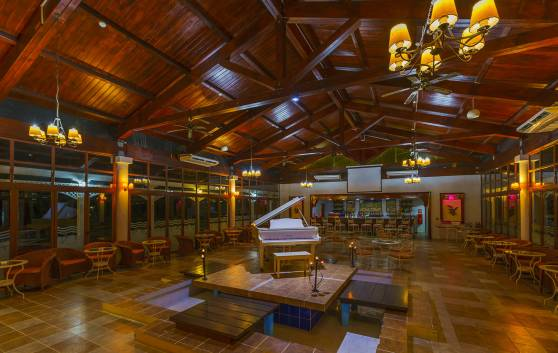 Sol Cayo Santa María - Piano-bar El Manglar