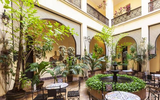 Gran Hotel - Gran Hotel - Vista hotel - Patio - Generales