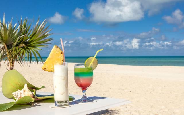 """Sol Río de Luna y Mares - Beach Bar """"La Pinta"""" - Bars"""