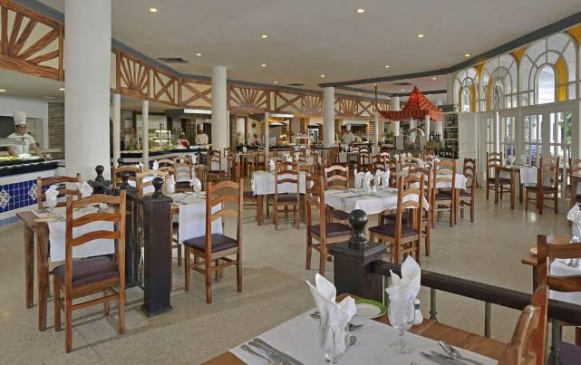 Sol Río de Luna y Mares - Restaurante Colón - Restaurantes
