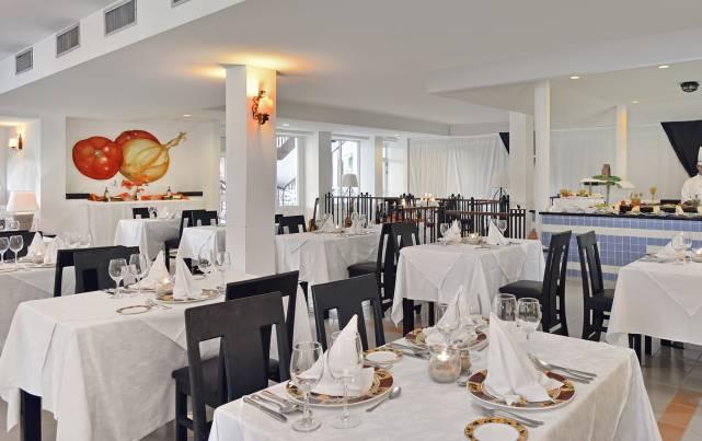 Sol Río de Luna y Mares - Restaurante Santa Maria - Restaurants