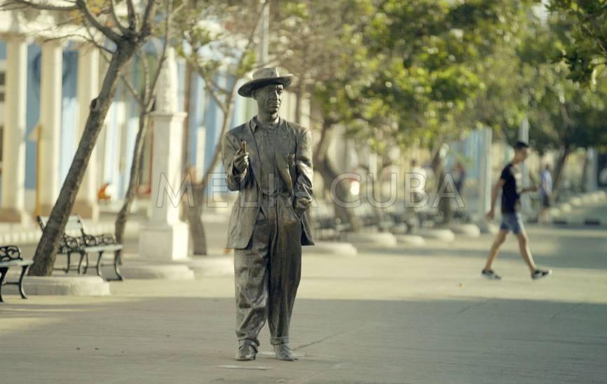 Estatua de Benny Moré