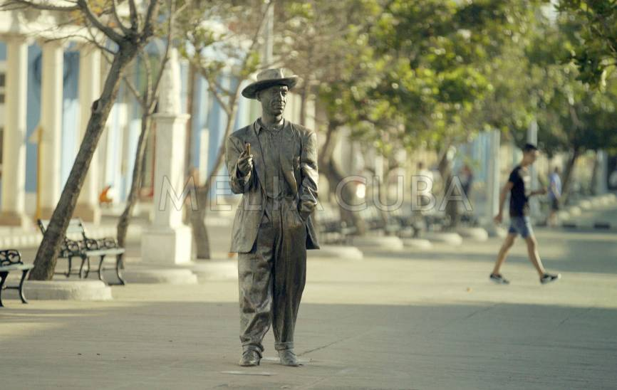 Statue of Benny Moré